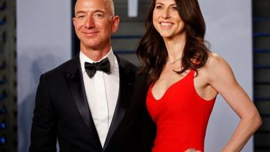 Photo of Investors ask how the Bezos divorce will affect Amazon