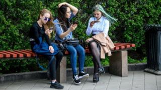 Photo of Time using landlines halves in five years, says Ofcom