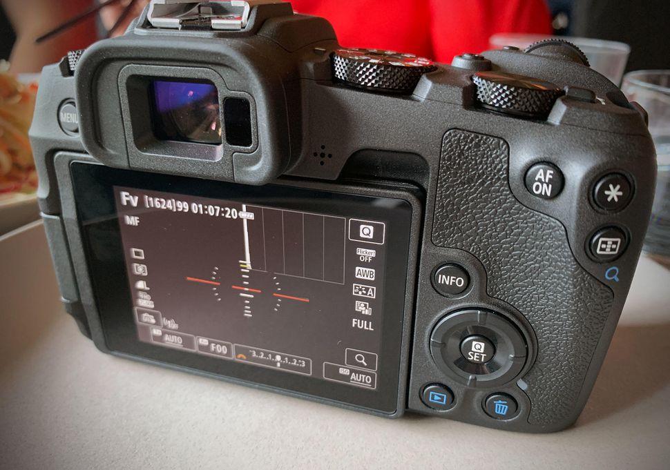 canon-eosrp-04