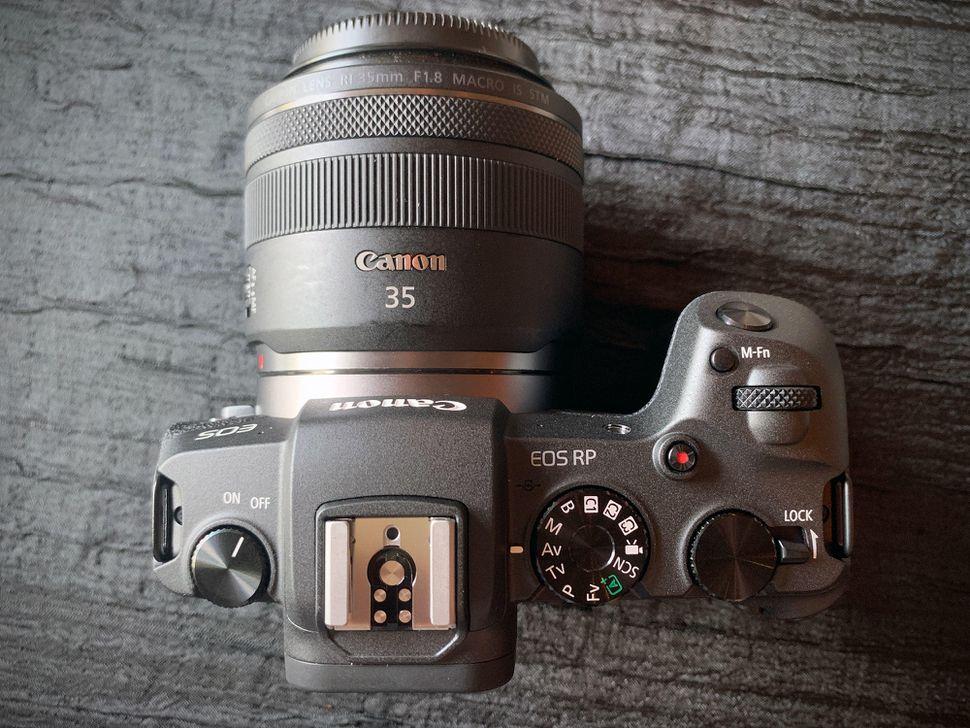 canon-eosrp-01