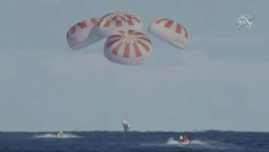 Photo of Elon Musk's SpaceX capsule splashes down off Florida coast