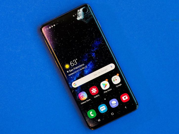 How To Install The Best Galaxy S10 Wallpapers For Hole Punch Camera Star Wars Disney And More Breaking Tech News