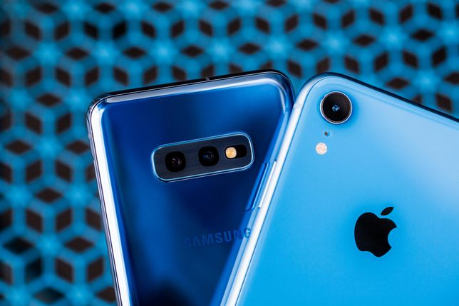 iphone-xr-samsung-galaxy-s10e-6