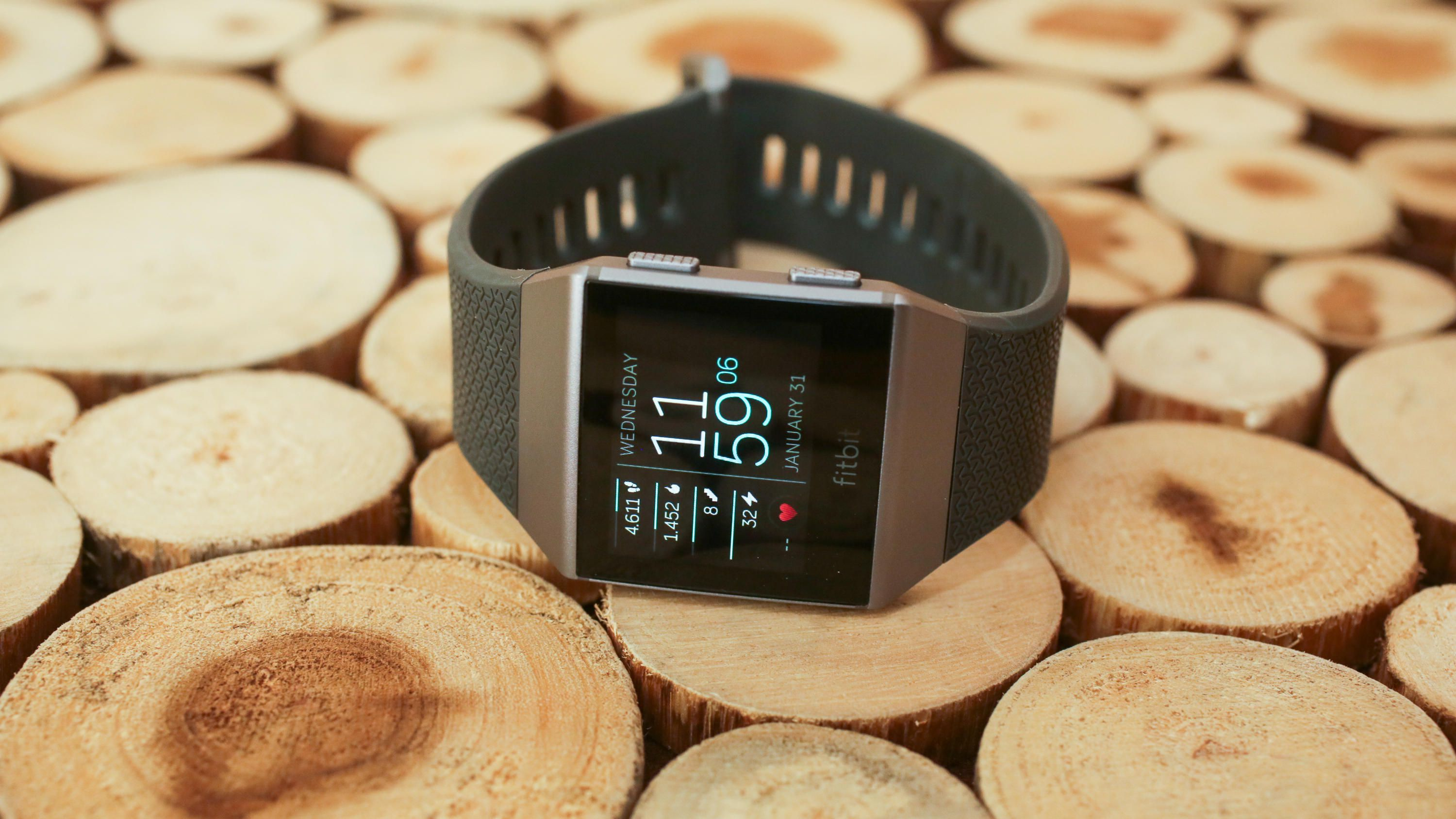 30-fitbit-ionic-new-watchfaces