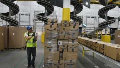 Photo of Amazon wants you to know it's still hiring