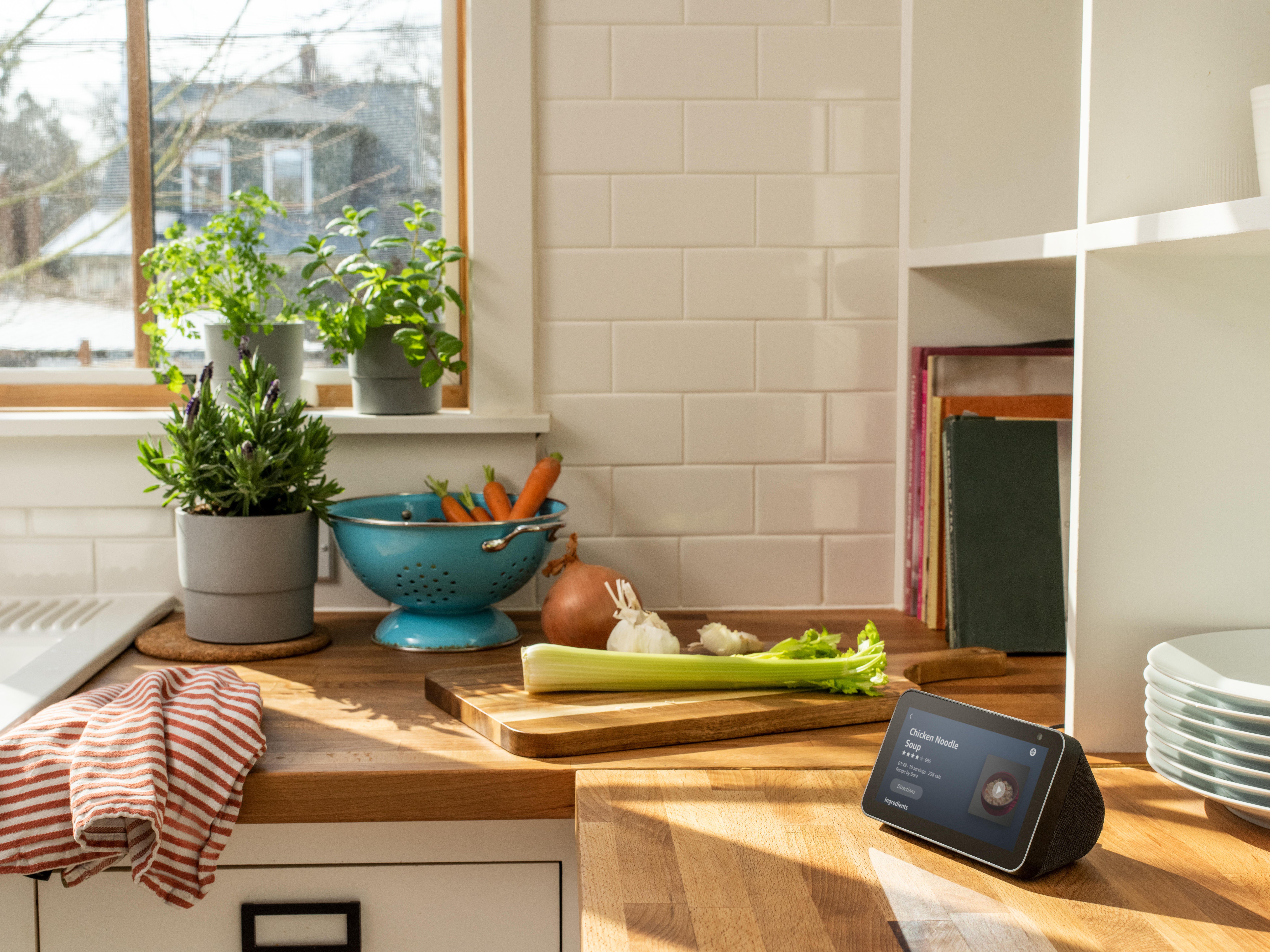 echo-show-5-kitchen