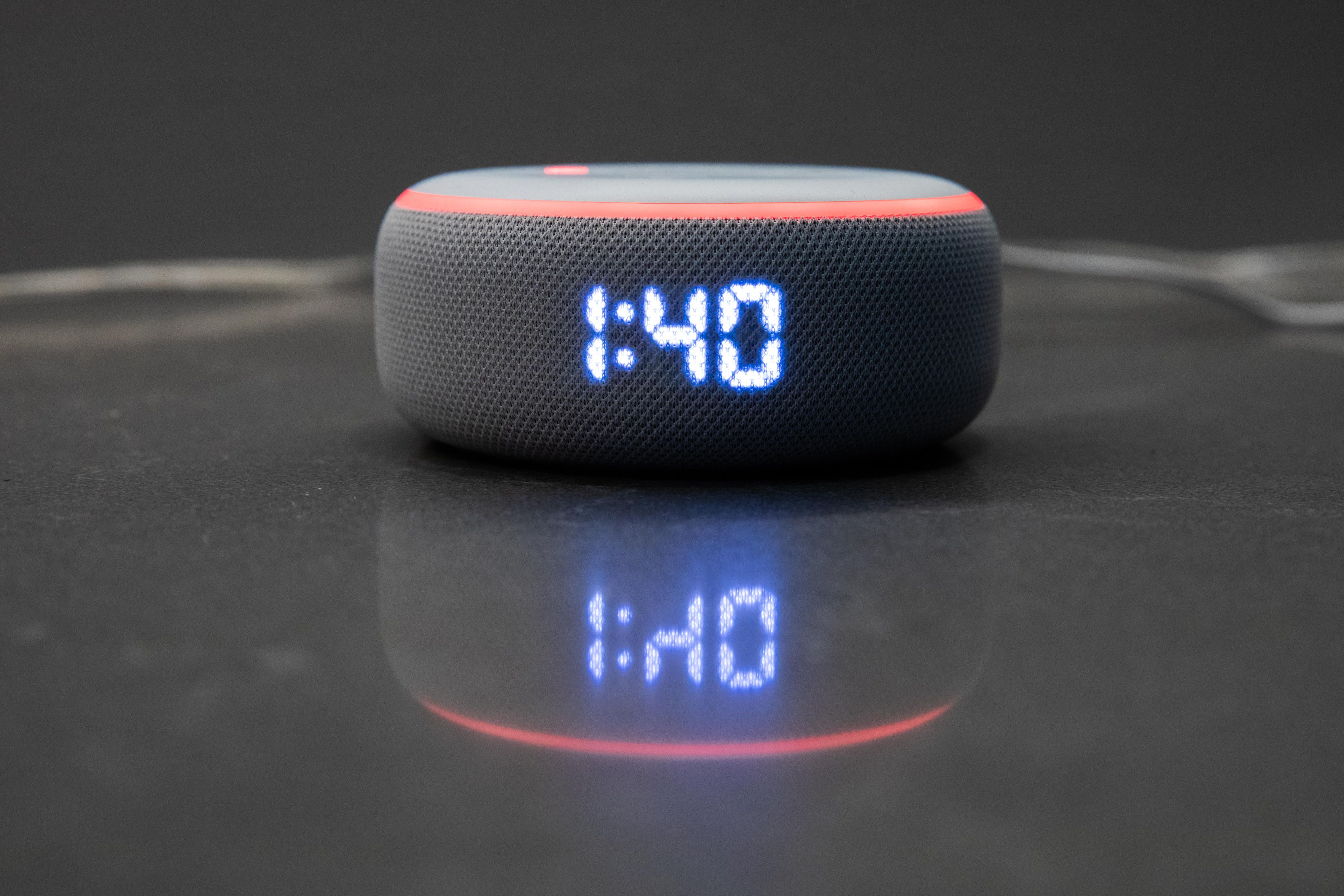 amazon-event-092519-echo-dot-with-clock-0964