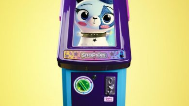 Photo of Funko's Snapsies will let kids customize figures right in the toy aisle