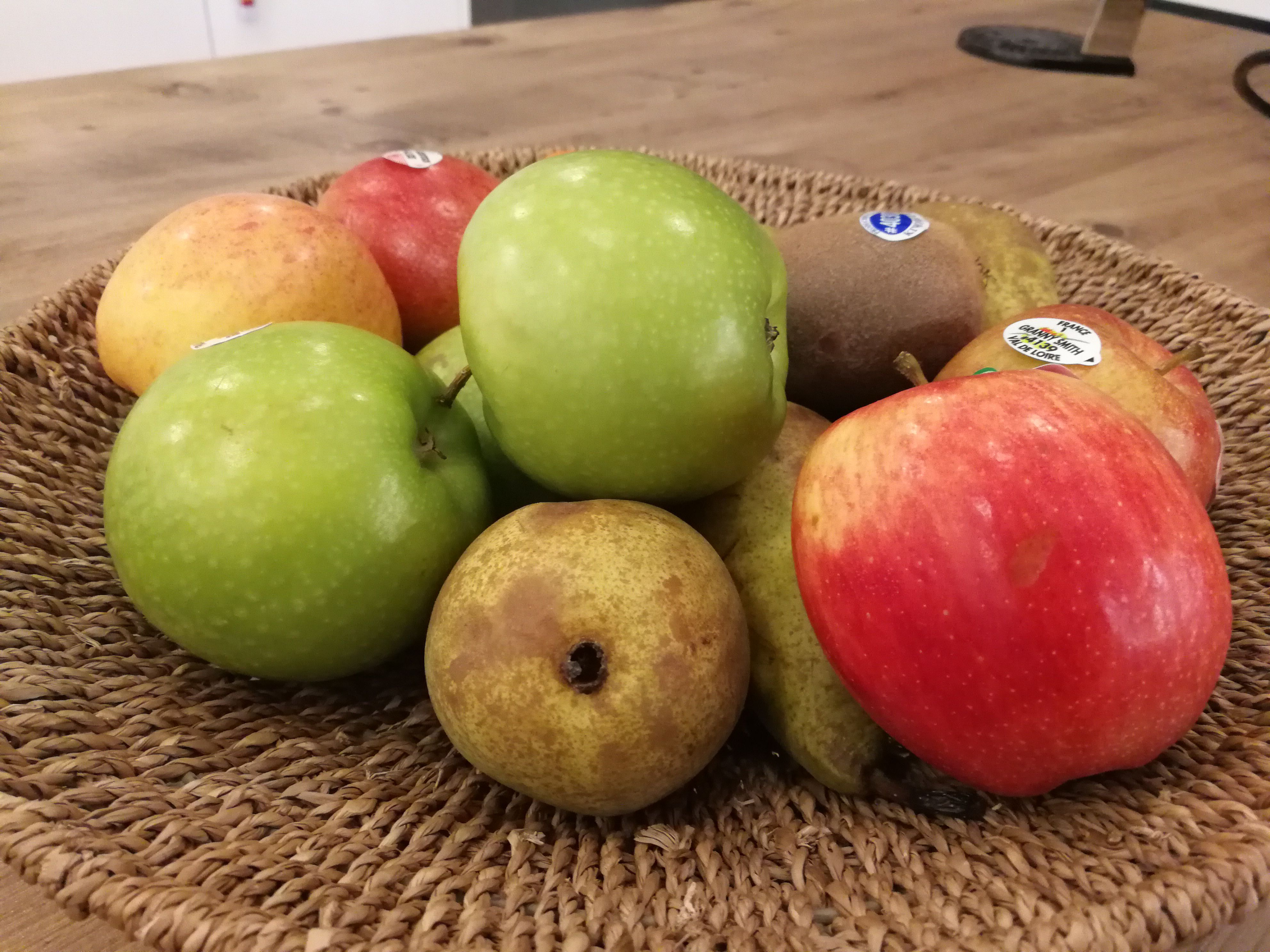fruit-low-light-mate-9-camera.jpg