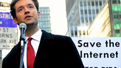 Photo of Reddit co-founder Alexis Ohanian bought Times Square billboards about coronavirus