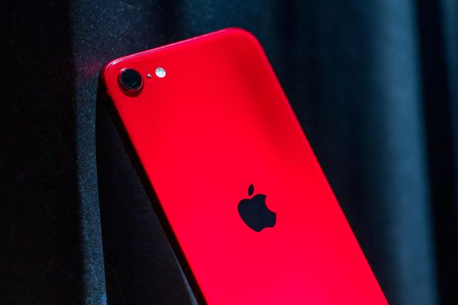 apple-iphone-se-1339-edit