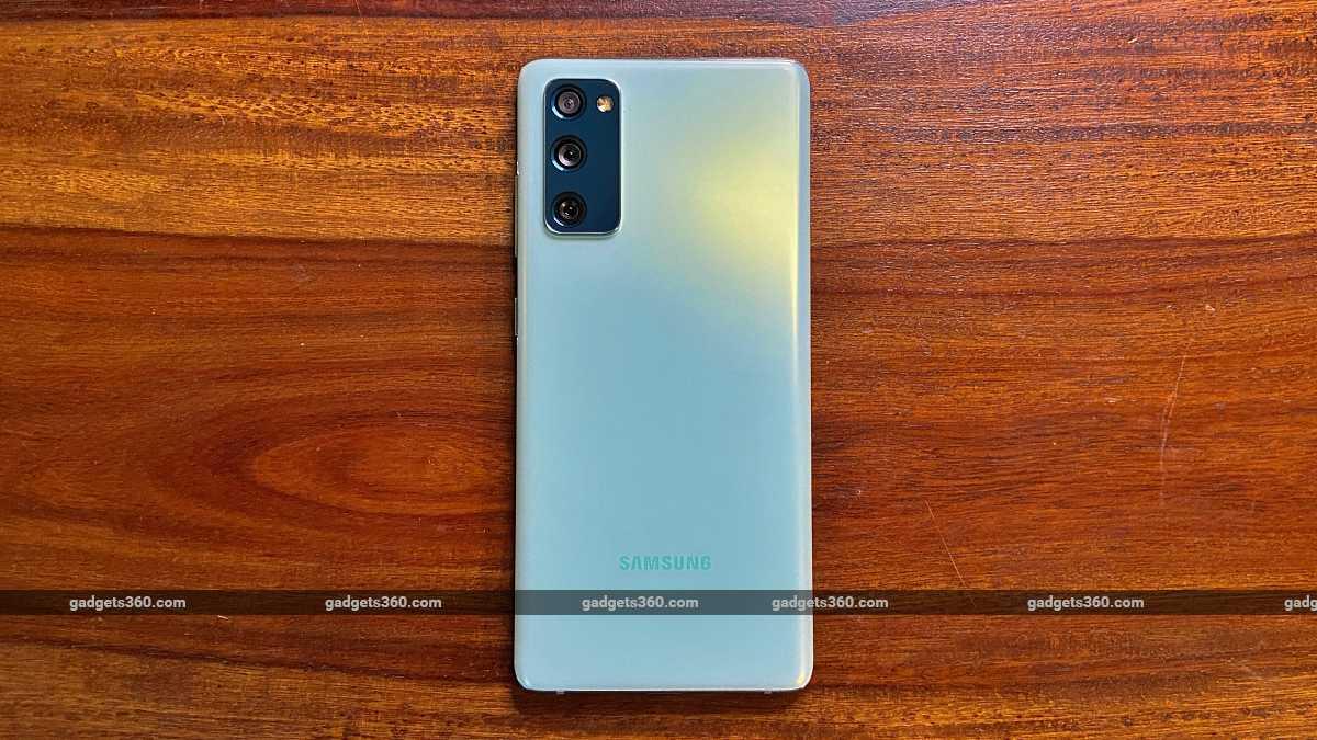 Samsung Galaxy S20FE 5G back big panel ndtv SamsungGalaxyS20FE5G  Samsung